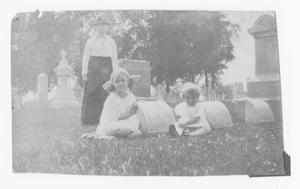 [Photograph of Sutherlin Children at Brown Cemetery]