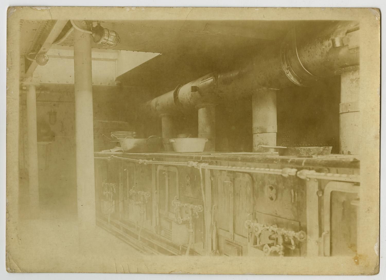 [Photograph of U.S.S. Texas Kitchen]                                                                                                      [Sequence #]: 1 of 2
