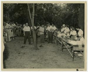 Primary view of object titled '[Cliff Temple Baptist Church Picnic]'.