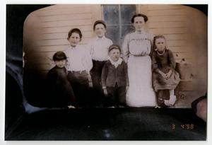 Primary view of object titled '[Photograph of the Children of Almis and Alice Newton]'.