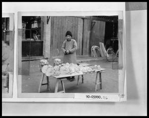 Primary view of object titled 'Oriental Street Vendor'.