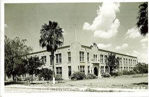 Primary view of object titled '[Lamar Junior High School Photograph #1]'.