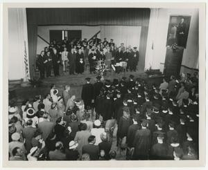 Primary view of object titled '[Photograph of 1949 McMurry Commencement]'.