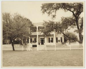 Primary view of object titled '[Photograph of the Earle-Napier-Kinnard House]'.