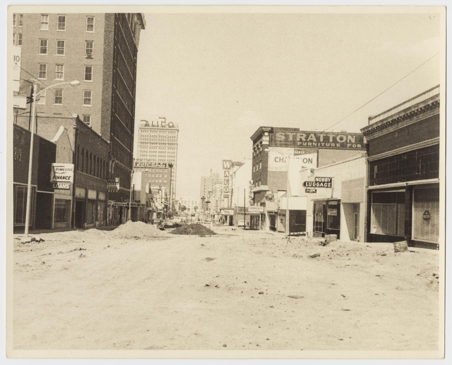 [Photograph of Austin Avenue in Waco, Texas]                                                                                                      [Sequence #]: 1 of 2