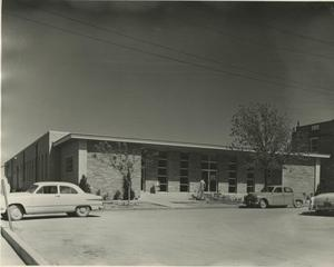 Primary view of object titled '[Photograph of Catchings Cafeteria]'.