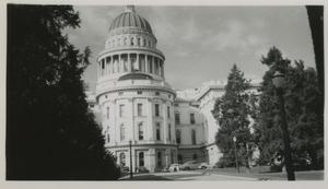 Primary view of object titled '[Photograph of U.S. Capitol]'.