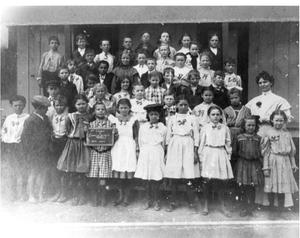 Primary view of object titled 'Fannin School - Third Grade Class'.