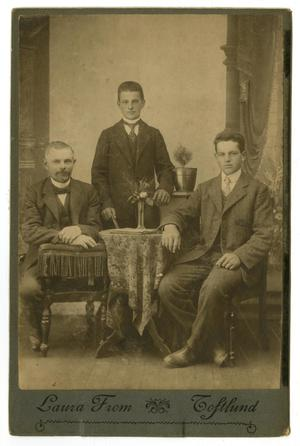 [Lauritz, Niels, and Otto Lauritzen]
