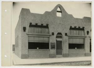 Primary view of object titled '[Van Horn State Bank in El Paso, Texas]'.