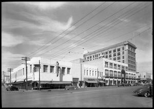 Primary view of object titled 'Downtown Street Scenes, Congress Avenue'.