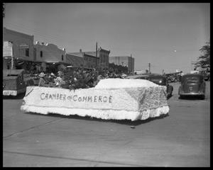 Primary view of object titled '[Llano Parade]'.