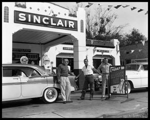 Primary view of object titled '[Sinclair Service Station]'.