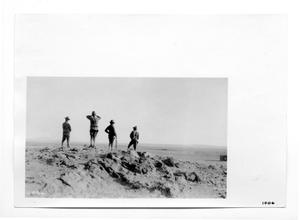 Primary view of object titled '[U.S. Soldiers on Lookout]'.