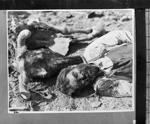 Primary view of object titled '[Unidentified Dead Man]'.