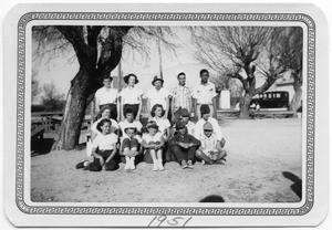 Primary view of object titled '[Hand Pitch Softball Team]'.