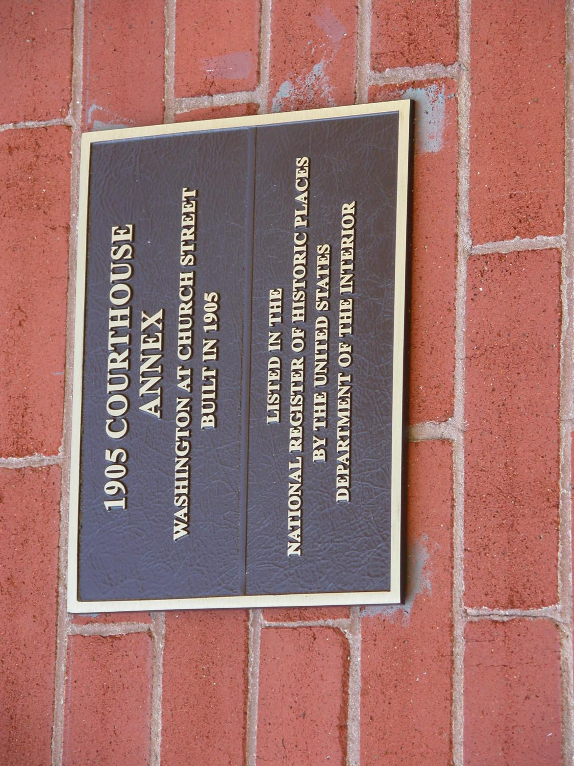 Historic Plaque, 1905 Polk County Courthouse Annex                                                                                                      [Sequence #]: 1 of 1