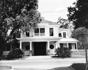 Primary view of object titled '[McFaddin Home]'.
