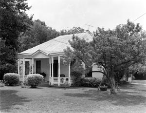 Primary view of object titled '[L.H. Schrader Residence, (Northwest oblique)]'.