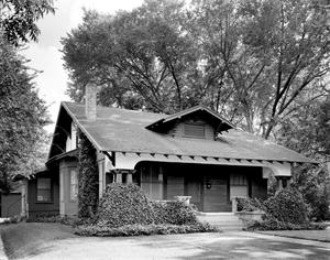 Primary view of object titled '[Dr. Southerland Residence]'.