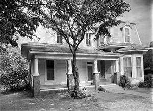 Primary view of object titled '[Mr. Sid Norwood House]'.