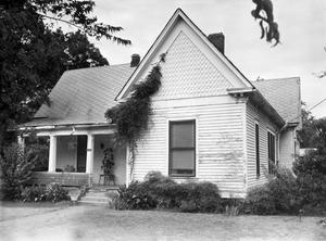 Primary view of object titled '[Dr. Greenwell House, (East facade)]'.