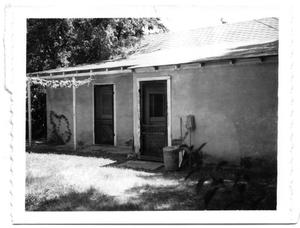 Primary view of object titled 'Small stucco home in San Antonio'.