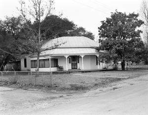 Primary view of object titled '[Lenny King Rent House]'.
