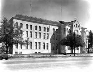 Primary view of object titled '[Karnes County Courthouse]'.