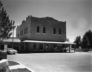 Primary view of object titled '[International Order of Odd Fellows Hall and Fort Davis State Bank]'.
