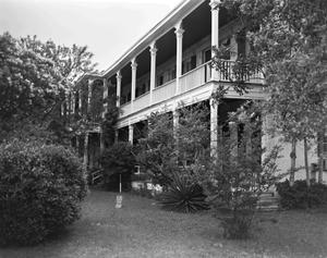 Primary view of object titled '[Kendall Inn, (Southeast oblique)]'.