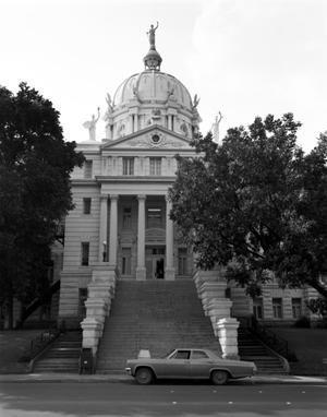 Primary view of object titled '[McLennan County Courthouse]'.