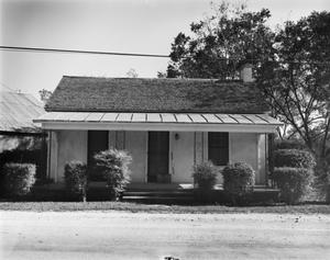 Primary view of object titled '[Geyer House]'.