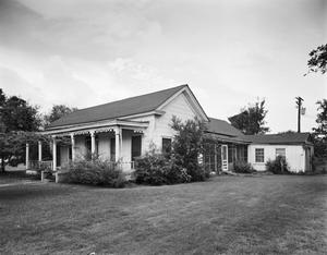 Primary view of object titled '[Lauderdale-Pietsch House, (East elevation)]'.