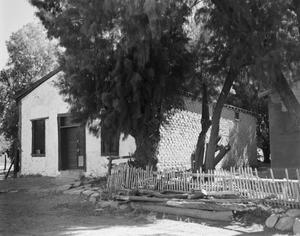 Primary view of object titled '[Nietos Residence]'.