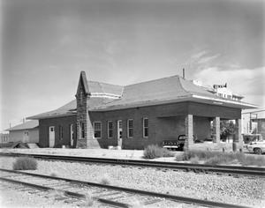 Primary view of object titled '[Texas and Pacific Depot]'.