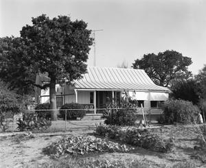 Primary view of object titled '[Lloyd Holloway House, (South)]'.