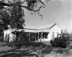 Primary view of object titled '[Dan Loffler House]'.