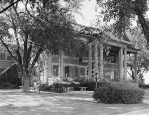 Primary view of object titled '[Lee Bivins House, (Oblique)]'.