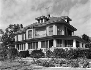 Primary view of object titled '[W.H. Eddleman House, (Southeast oblique)]'.