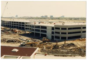 Primary view of object titled '[Dallas Love Field Airport : Construction Site]'.