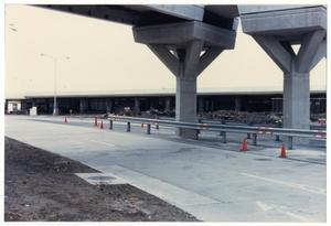 Primary view of object titled '[Dallas Love Field Airport : Construction]'.