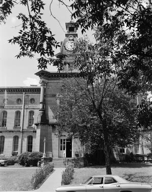 Primary view of object titled '[Red River County Courthouse]'.
