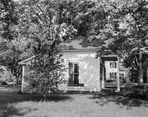Primary view of object titled '[Historic Property, Photograph THC_04-0940]'.