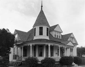 Primary view of object titled '[L.T. Lester House, (Southeast oblique)]'.