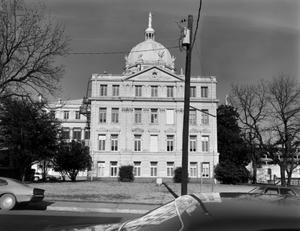 Primary view of object titled '[McLennan County Courthouse, (West elevation)]'.