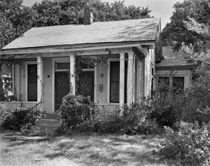 Primary view of object titled '[Historic Property, Photograph THC_06-0572]'.