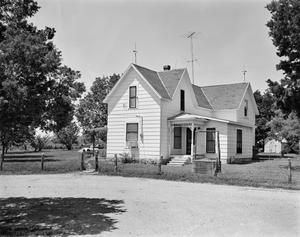 Primary view of object titled '[Historic Property, Photograph THC_10-1117]'.