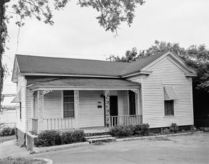 Primary view of object titled '[Historic Property, Photograph THC_06-0352]'.