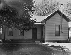 Primary view of object titled '[Historic Property, Photograph THC_06-0725]'.